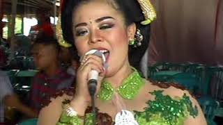 Download Sesideman Voc. Lia - BLS MUSIC & SOUND Live Dadapan