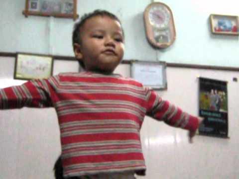 Funny Little Mizo Boy sings Ding Dong Bell & Baa Baa Black Sheep.avi