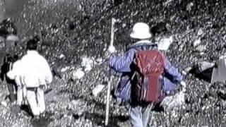 富士山頂での即興パフォーマンスに挑んだ男女7人夏物語。Improvisatory...