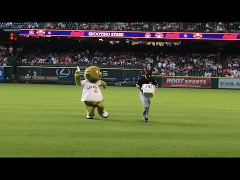 Beckham steals Orbit's laundry and tosses it