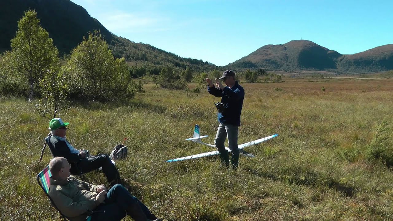 RC soaring: An intro to flying gliders/sailplanes - Droney Bee