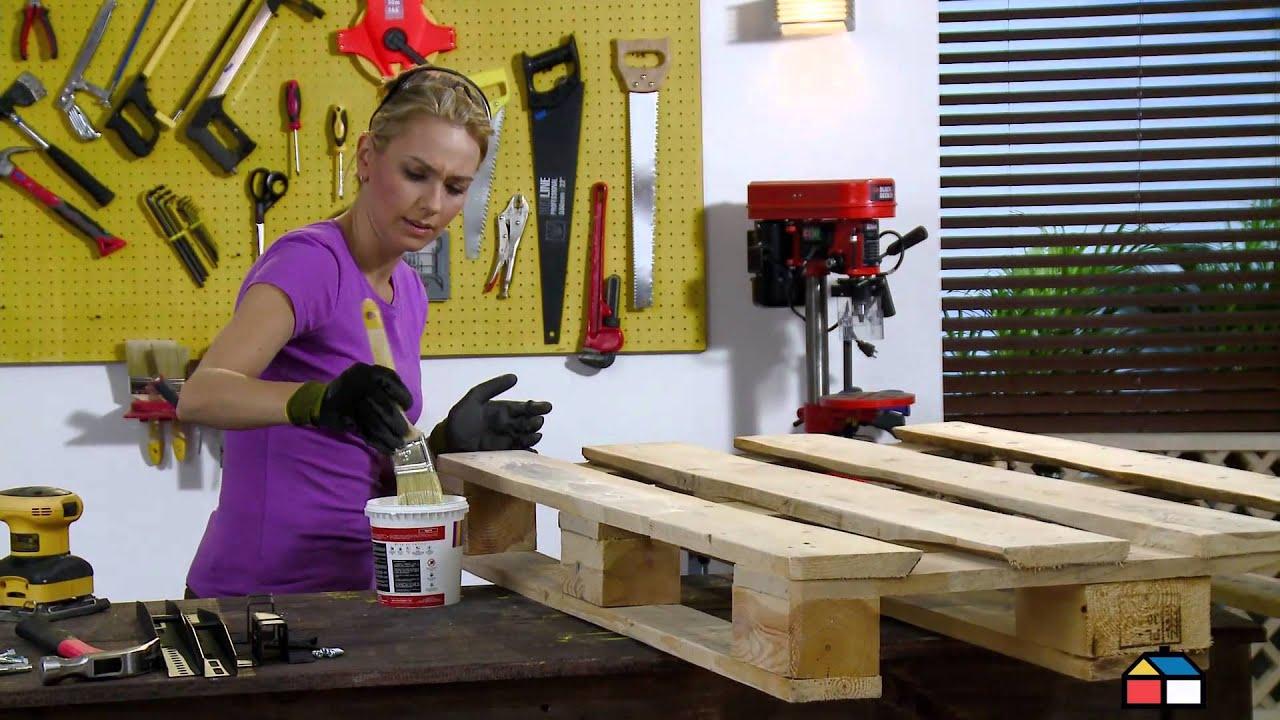 Reutilizaci n de estiba para base de televisor youtube for Muebles de estibas de madera