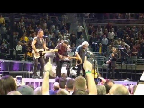 Bruce Springsteen w/Bob Seger Tenth Avenue Freeze-Out & Shout LIVE in Detroit Auburn Hills 4/14/16