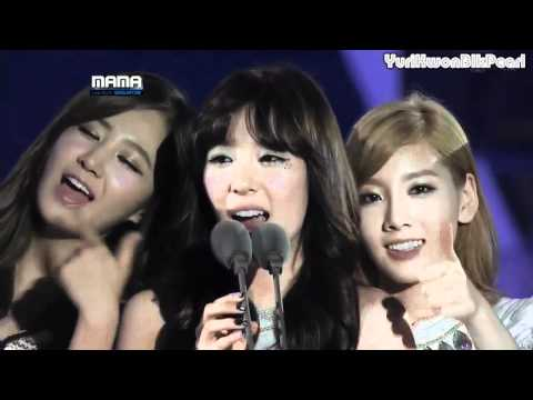 [ENG] 111129 SNSD Artist Of The Year @  2011 MAMA