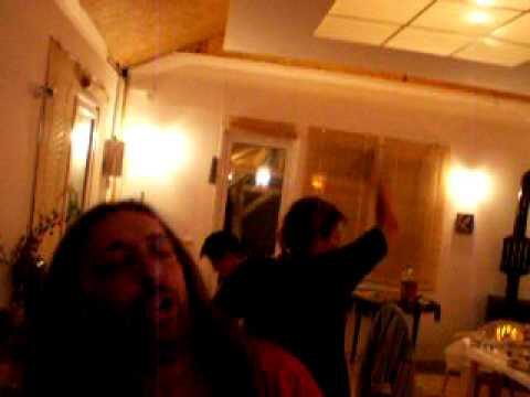 Дърти хипари танцуват...