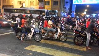 Video Motorcyclists Mat Rempit in KL download MP3, 3GP, MP4, WEBM, AVI, FLV Agustus 2019
