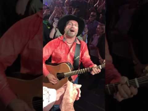 Garth Brooks Lafayette sings to my Grandma and gives her his guitar