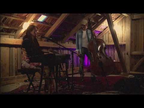 Ein Schritt zurück - Jasna Schmuck Trio