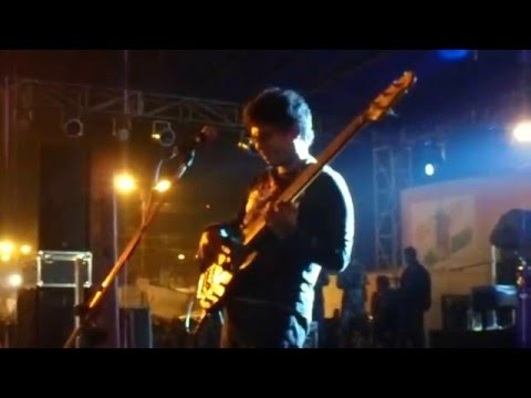 Bengali band Fossils bassist bass solo at...