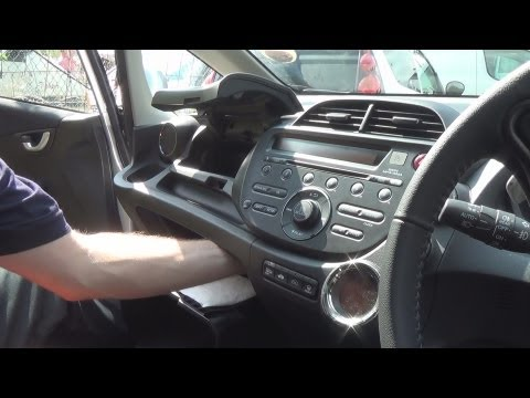 Radio Removal Honda Jazz (Fit) (2008-2013) | JustAudioTips