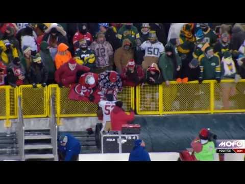 Green Bay Packers fan throws gloves at Navorro Bowman