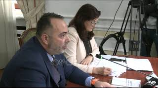 Ora News - Debat Te And39ligjetand39 Sekretari Ankohet Për Zyrat E Plasaritura Fino Sand39meritoni Investime
