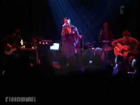 Emilíana Torrinii - Snow - Live at the Paridso, Amsterdam, Holland 2005