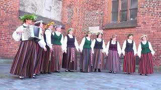 00057 Vokālo ansambļu ielu koncerts