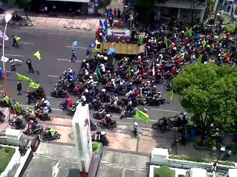 Demo Buruh Surabaya Hari Ini 13 11 2013