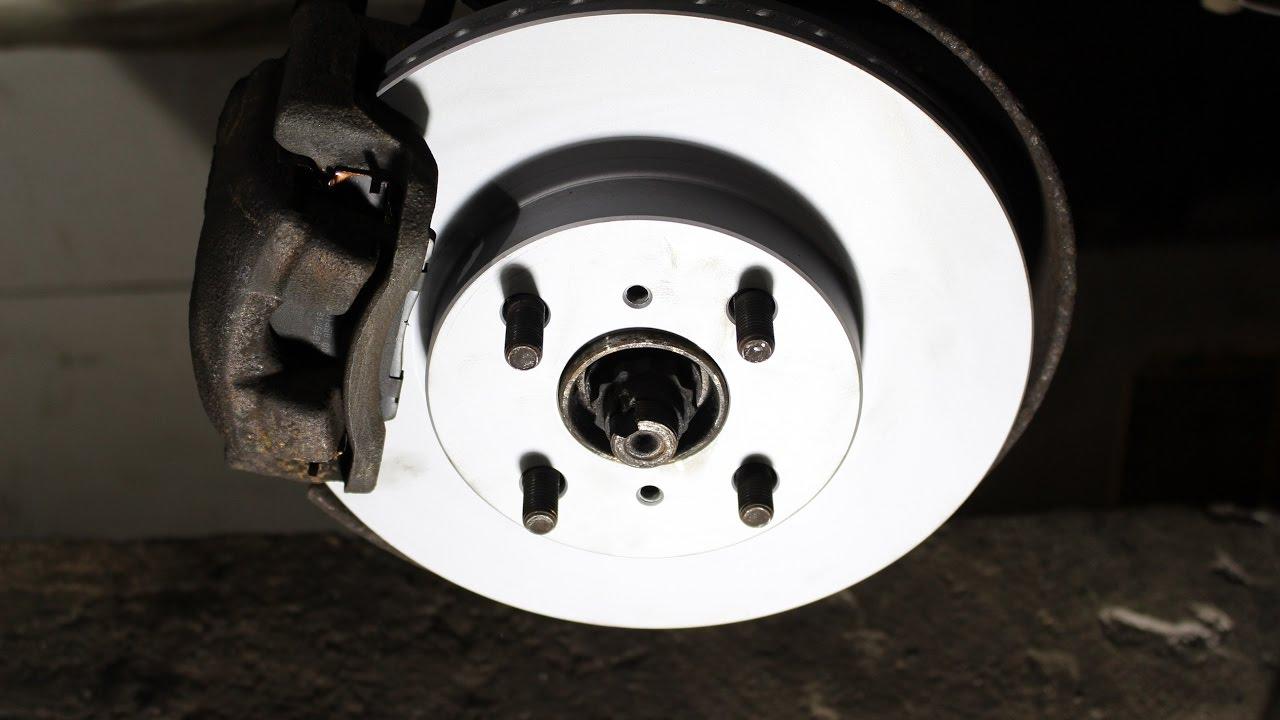 Toyota Yaris P9 Bremsscheiben Bremsen Bremsbeläge vorne für die Vorderachse