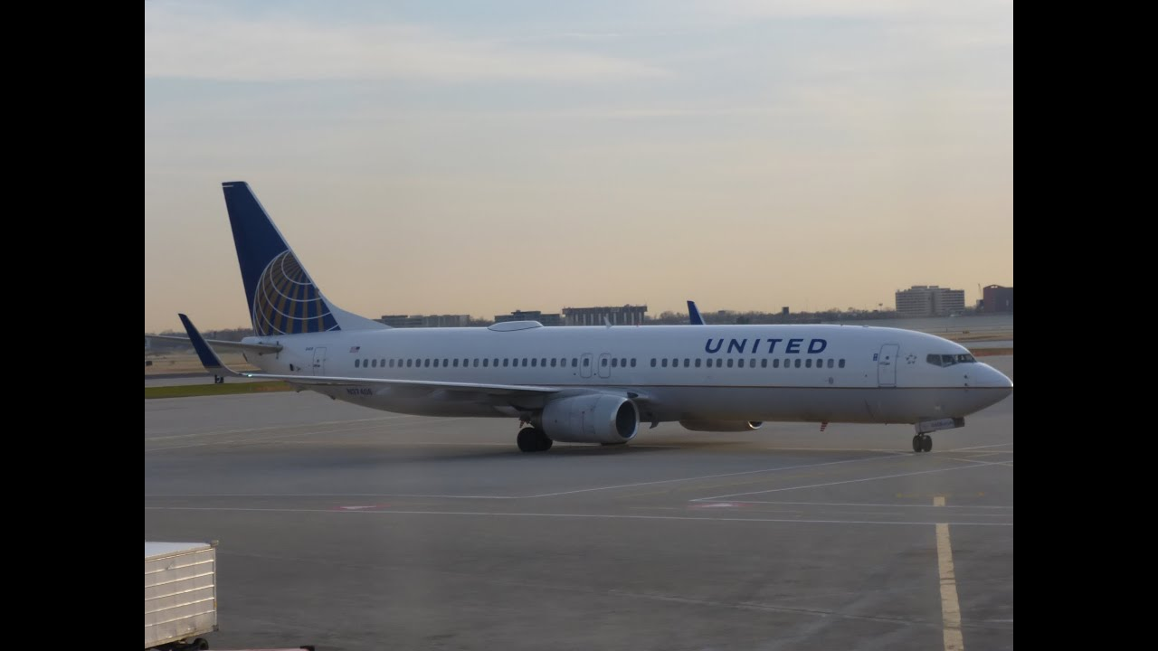 United Airlines Unitedfirst B737 900 Chicago Ord