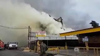 Fuego destruye tienda de electrodomésticos L&R Comercial