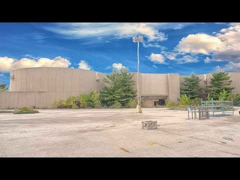 Urban Exploration Ohio: Abandoned Macy's Department Store - Randall Park Mall