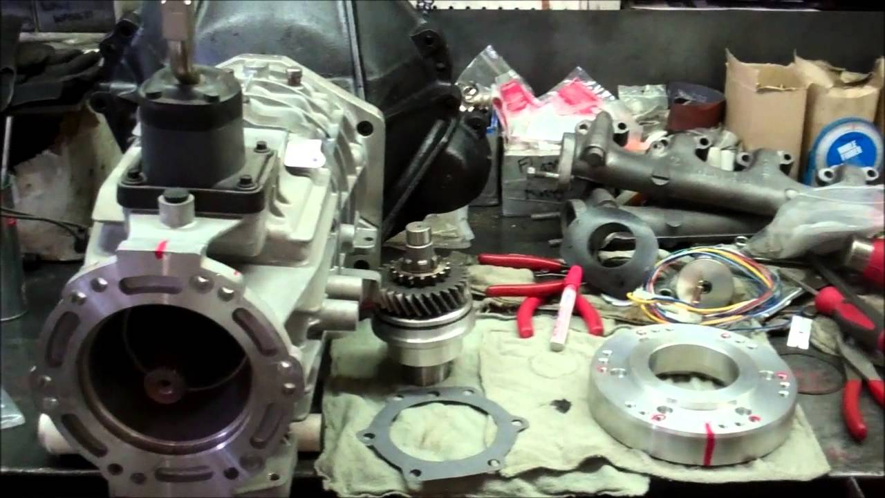 66-77 Ford Bronco NV 3550 Install Part 3 - NV3550 to Dana 20 Adapter Plate Install - YouTube