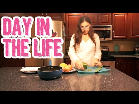 Dog Sitting, Chores & Coffee Shop Fun | Day in the Life of a Stay at Home Pregnant Wife DITL