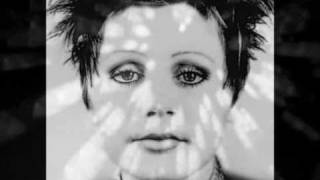 Watch Cocteau Twins Garlands video