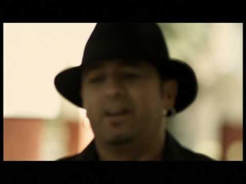 El Barrio - Crónicas de una loca (Videoclip Oficial)