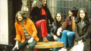 Watch Kinks In A Foreign Land video
