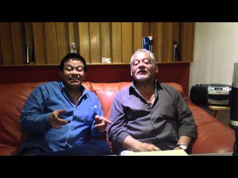 Carlos Segundo voz de Woody y Ricardo Murguia cantando Yo soy tu amigo Fiel Toy Story en Toonlandya