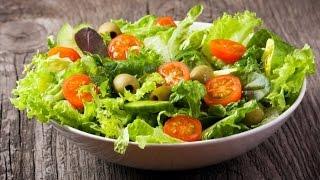 Салат из пекинской капусты, мяса, сыра и грибов.