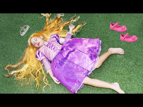 Valentina Finge Brincar De Ser Princesa