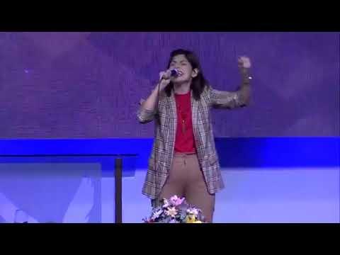 EN EL NOMBRE DE JESUS - Sandra Benitez (IN JESUS NAME By Darlene Zschech)