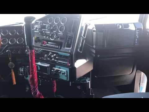 2000 Freightliner Classic Interior