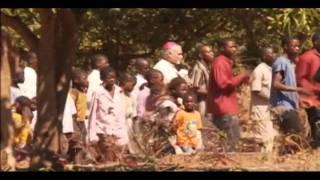 Angola Luena - CAZOMBO - ACREDITAR para SOBREVIVER
