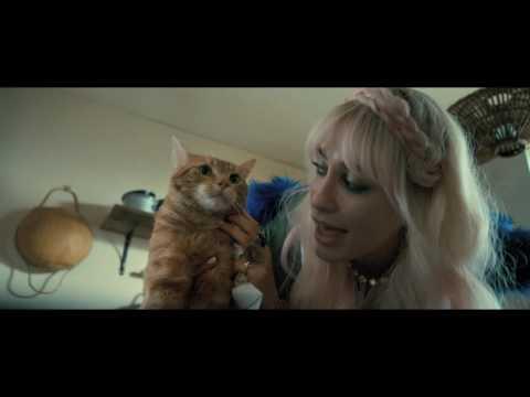キャサリン妃がプレミアに来場!『ボブという名の猫 幸せのハイタッチ』予告編