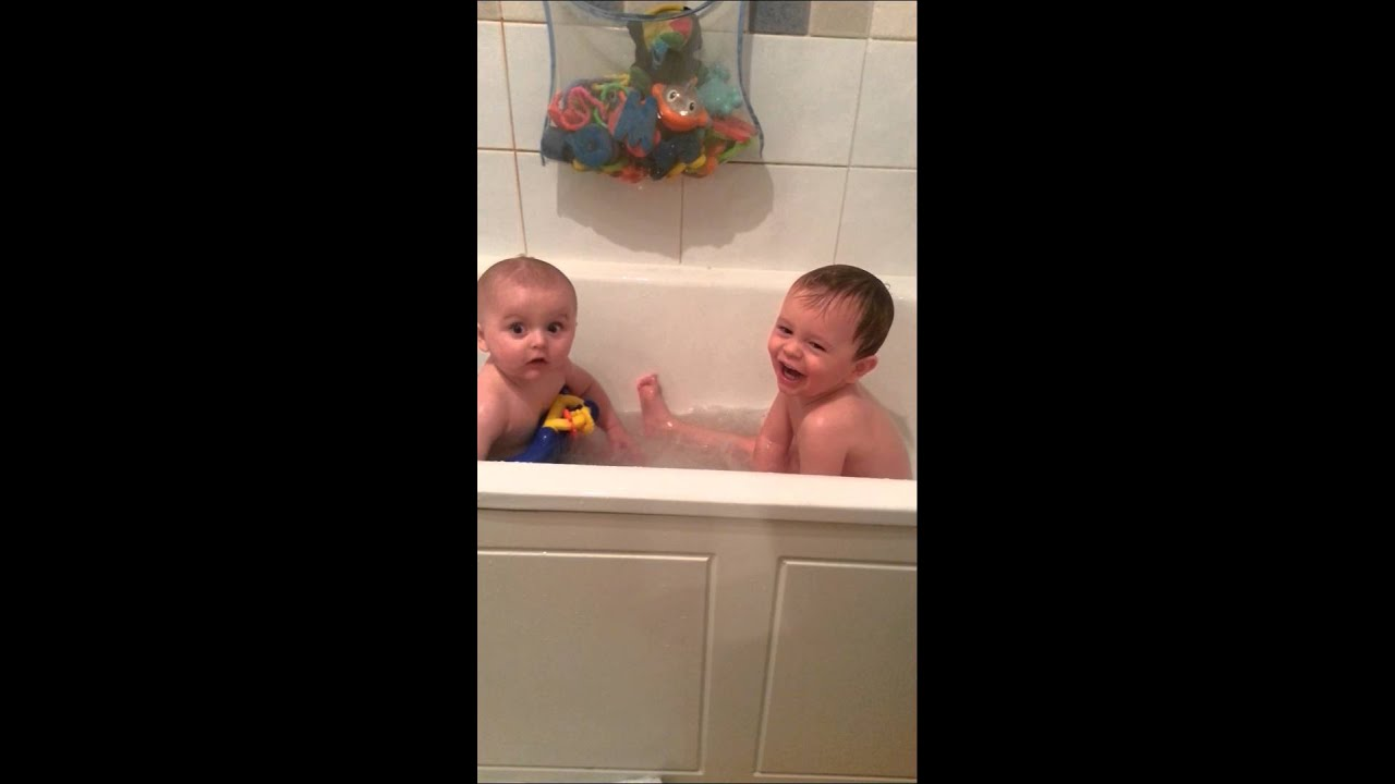 Boys splashing in Bath!!! - YouTube