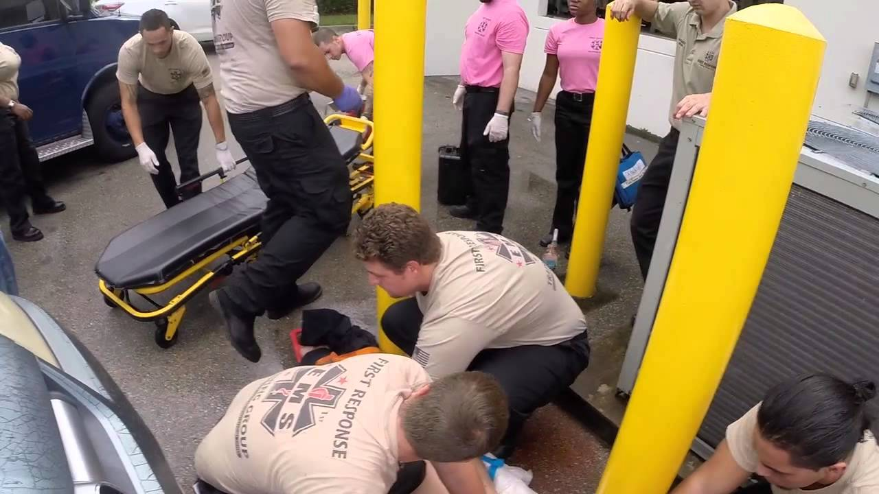 Emt Paramedic Training At First Response Youtube