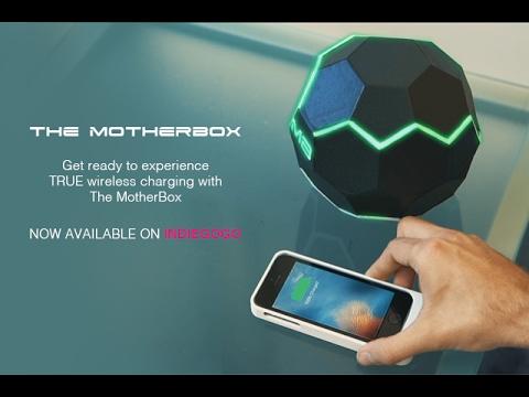 サッカーボール風ワイヤレス充電デバイス「MotherBox」--周囲の空間が充電エリア - CNET Japan