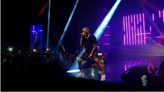Wizkid performs Ojuelegba to a dark crowd of at the ''Wizkid Exclusive Vip Experience''