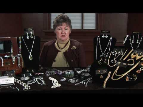 Buying & Selling Jewelry : How to Select a Diamond