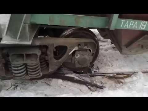 """Подъем сошедшего вагона с помощью """"лягушек"""""""
