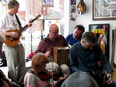 Live Music Folk Clubs: Geckoes @ The Union Store.