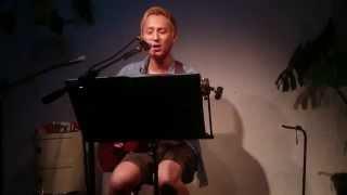 FoZZtoneのVo.渡會将士さんの弾き語りソロライブの映像です。 こちらの...