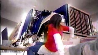2006年ごろの佐川急便イーコレクトのCMです。加藤ローサさんが出演され...