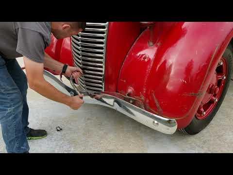 1936 Diamond T 221D Fire Truck hand start