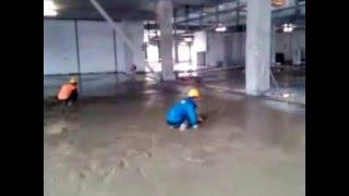 китайские рабочии льют бетон в Санкт-Петербурге(, 2012-07-25T07:33:26.000Z)
