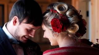 Winter Inspired Wedding | Sunset Ridge Barn | Prole, Iowa