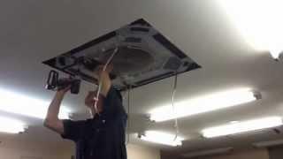 業務用エアコンクリーニング ダイキン 天カセ 業務用エアコン分解作業