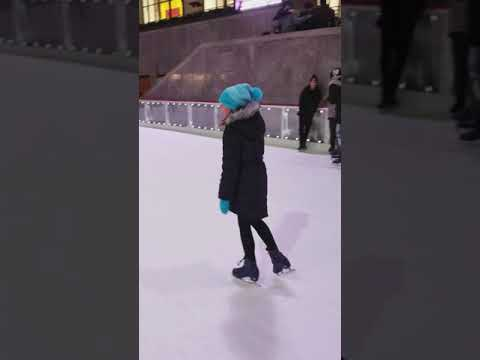Ice Skating At The Rock NYC to Beyonce by 9yo Katie