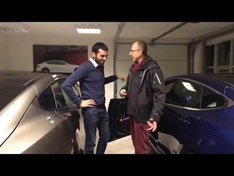 Centro Tesla a Copenhagen, L'Ing. Matteo Vitale ritira la propria Model S usata